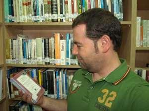 Un lector haciendo una excelente elección ;)